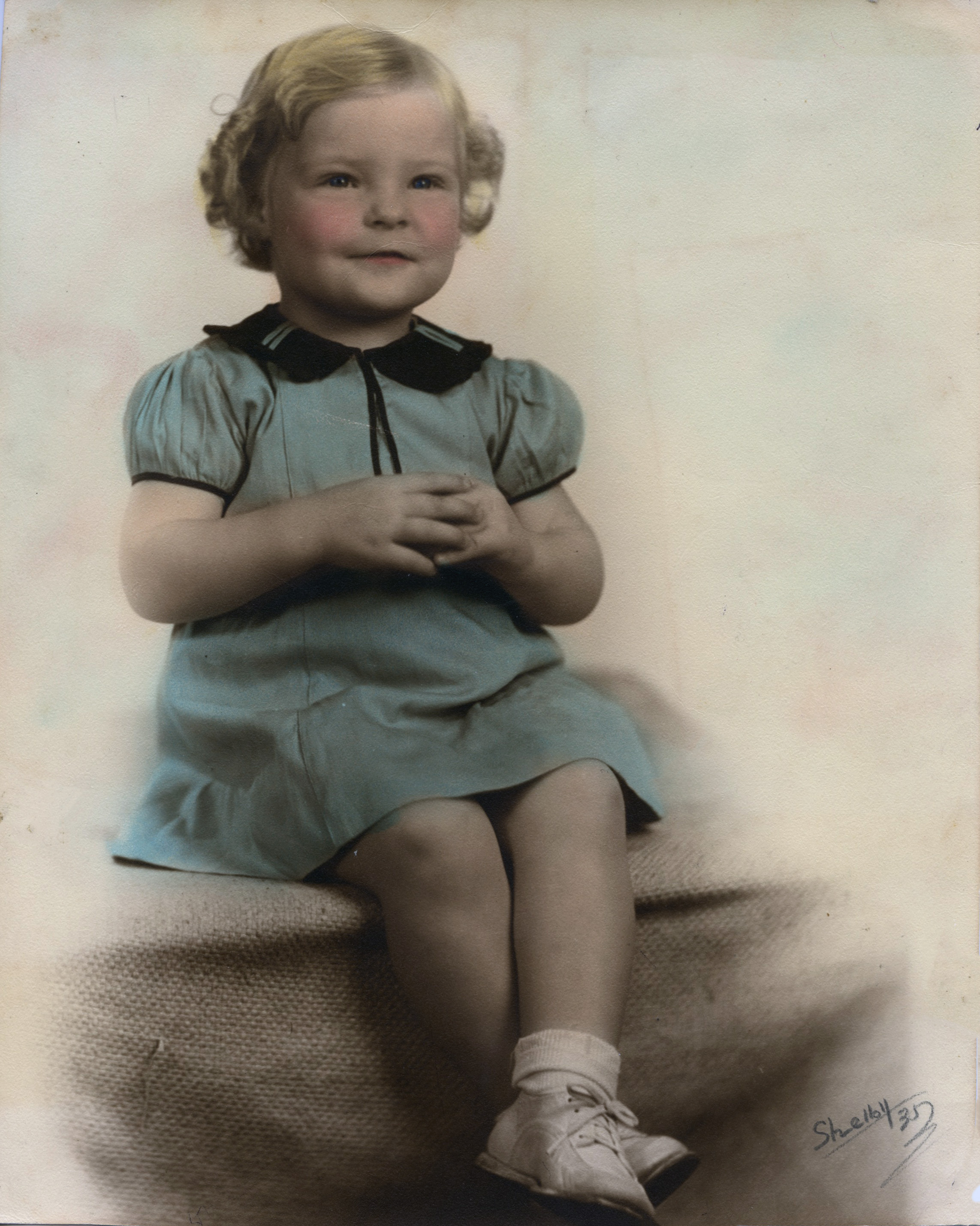 1935 Suzanne 2 years old