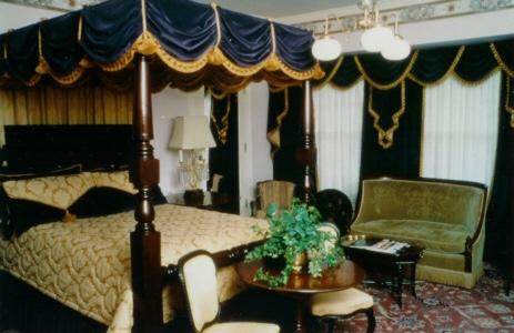 OMaxGardnerbedroom